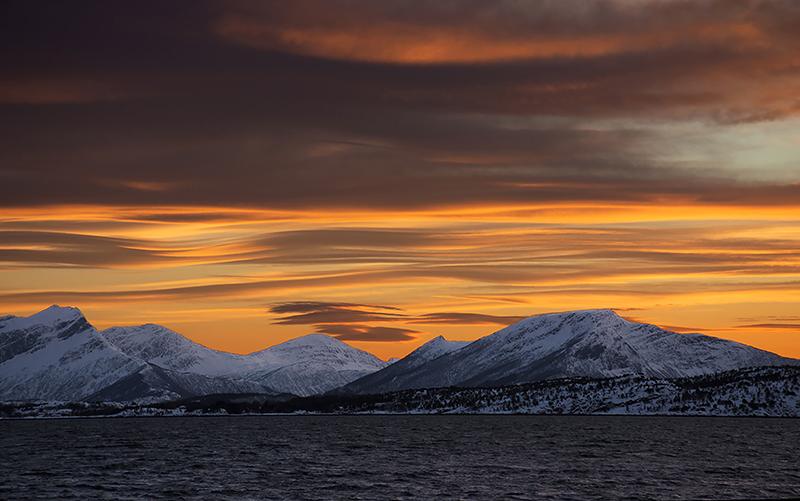 Sunset Skutvik 800x501