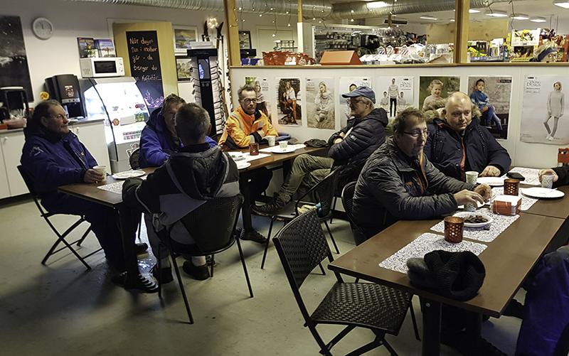 Kafe på butikken Kjell 800x501